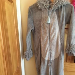 Comfy bunny pajamas.Never worn-doesn't fit anymore